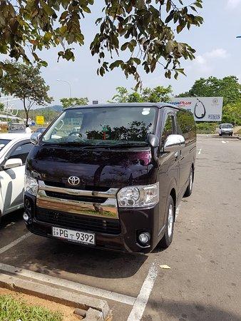 Tangalle, Sri Lanka: Nowa, czyściutka Toyota