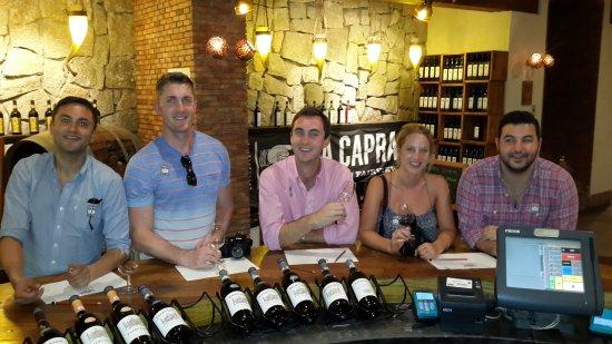 Camps Bay, Sør-Afrika: USA Boyz, wine tasting at Fariview