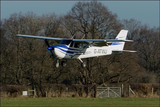 Headcorn, UK: Stuck for a gift idea? Why not book a pleasure flight or trial lesson?!