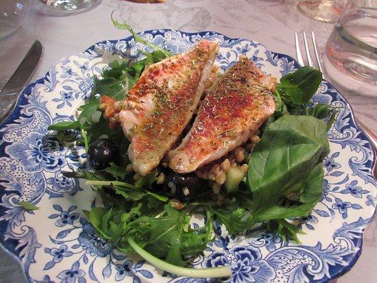 Meung-sur-Loire, Γαλλία: salade de rougets