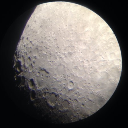 Štefánikova hvězdárna: photo of the moon, made with my phone trough the telescope