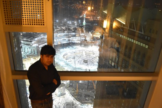 فندق برج ساعة مكة الملكي فيرمونت: The best Place and City in the Whole World.