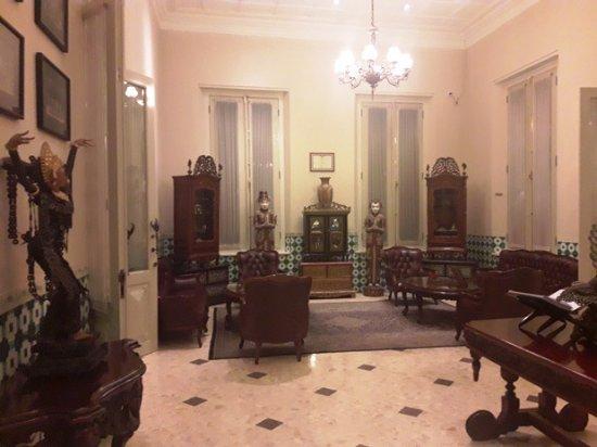 The Phoenix Hotel Yogyakarta - MGallery Collection: Lounge untuk menunggu check in
