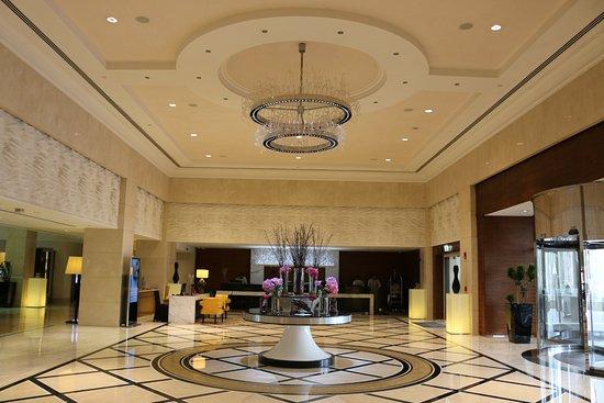 The Westin Dubai Mina Seyahi Beach Resort & Marina: Lobby