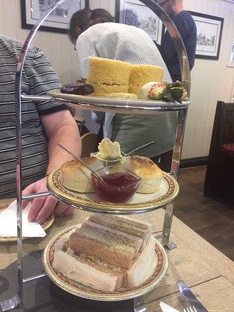 Jaspers Tea Rooms: photo0.jpg