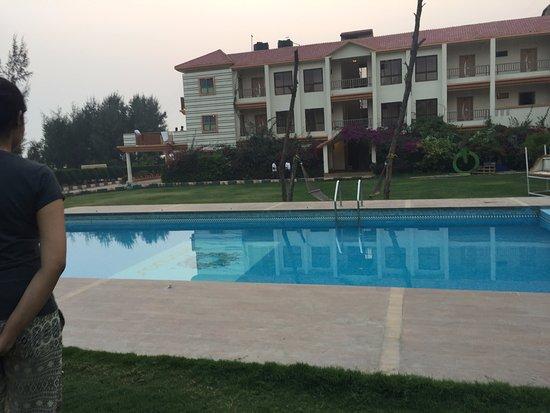 Adb kanvas mandarmani west bengal lodge reviews photos rate comparison tripadvisor for Resorts in santiniketan with swimming pool