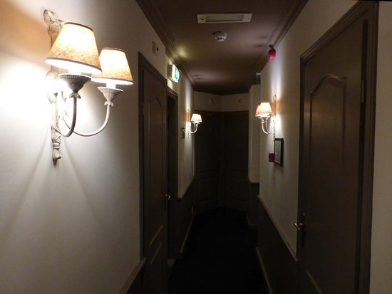 Lu0027Auberge Damhotel Edam: Flurbeleuchtung