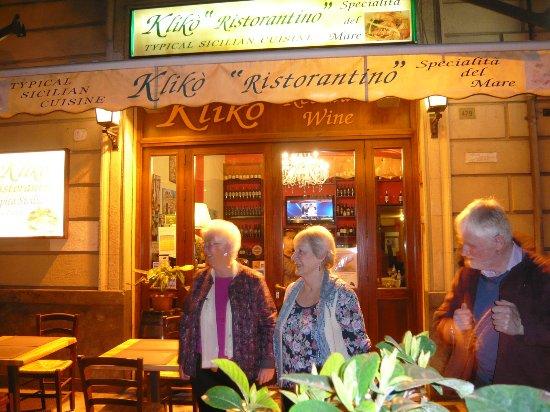 Kliko Ristorantino Da Giuseppe: Entrance to the Restaurant