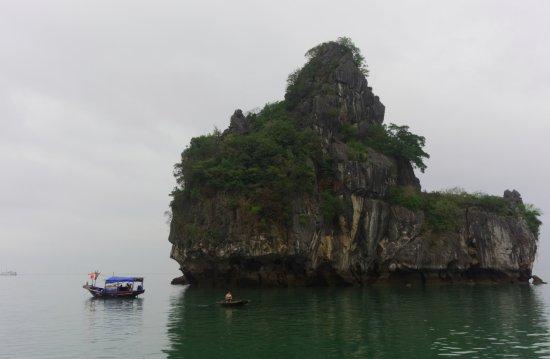 Ha Long Bay Daily Tours: A small rock island