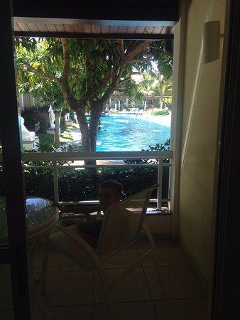 Atlantico Buzios Hotel: Vista do apartamento para a piscina