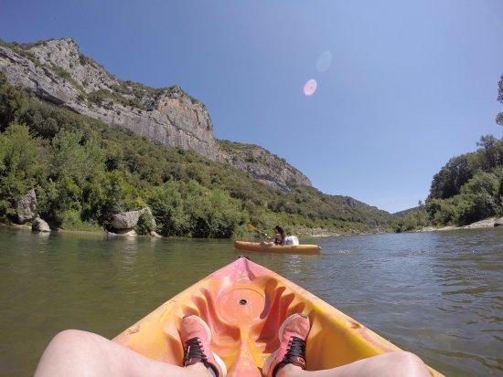 Collias, Francia: falaise canoe gardon