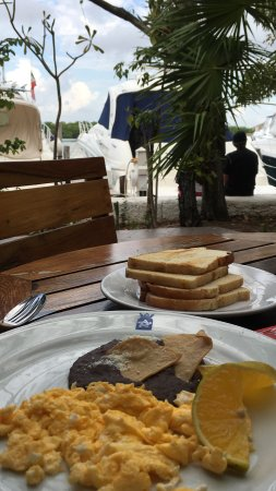 Sotavento Hotel & Yacht Club: Breakfast