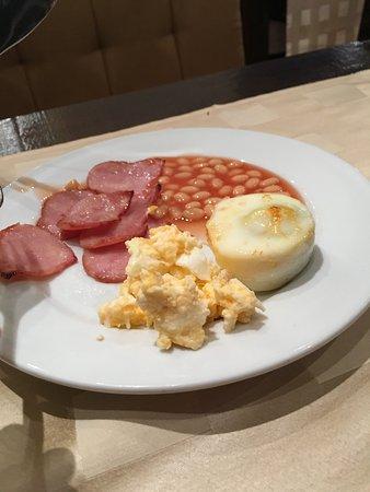 Breakfast HOT and Plentiful