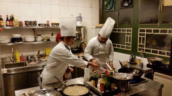 Black Sesame Kitchen : chefs at work