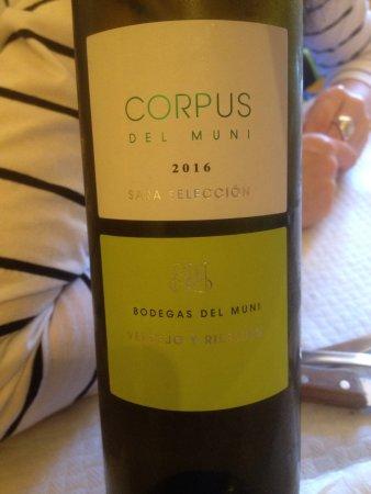 Valdecabras, Spanyol: Unas gachas espectaculares y un vino muy rico