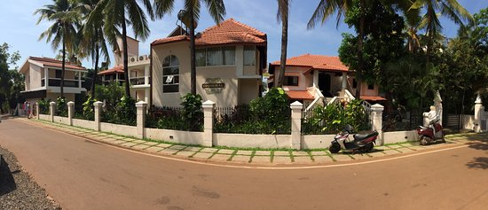 very clean and perfectly located to candolim beach and nearby by cafes & shops... value for mone