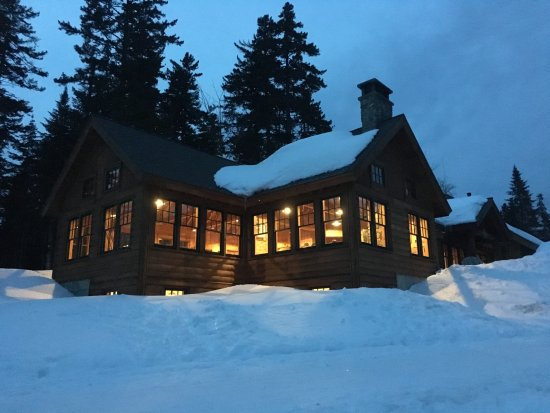 Gorman Chairback Lodge and Cabins: Time for dinner in the main lodge