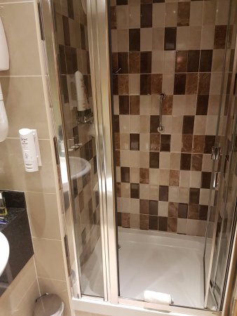 Academy Plaza Hotel: Room 527 - spotlessly clean bathroom