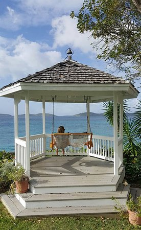 ‪‪Gallows Point Resort‬: Gazebo overlooking Cruz Bay‬