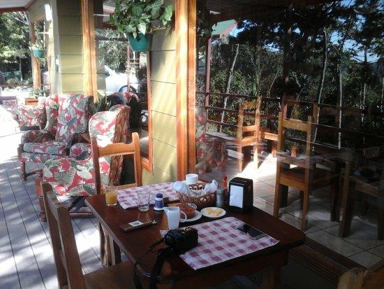 Cala Lodge: Frühstücksterasse