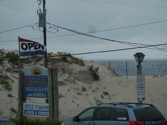 Hampton Bays, NY: entrance