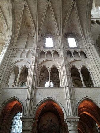 Laon, France : Transept gauche