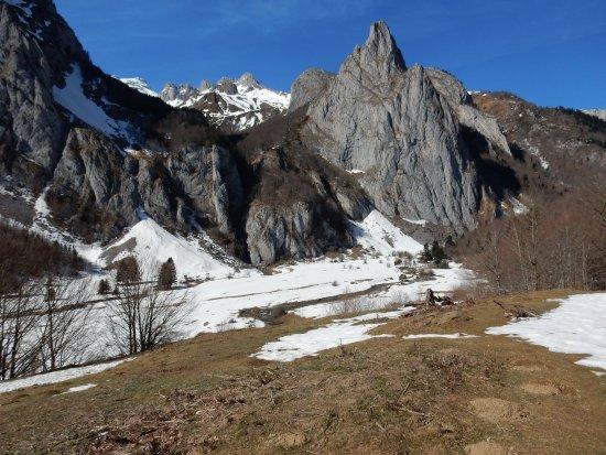 Village de Chalets Le Val Du Gave D'Aspe : vue du cirque de Lescun