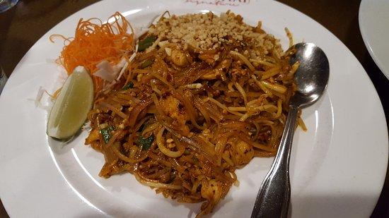 Addison, TX: Pad Thai with Chicken