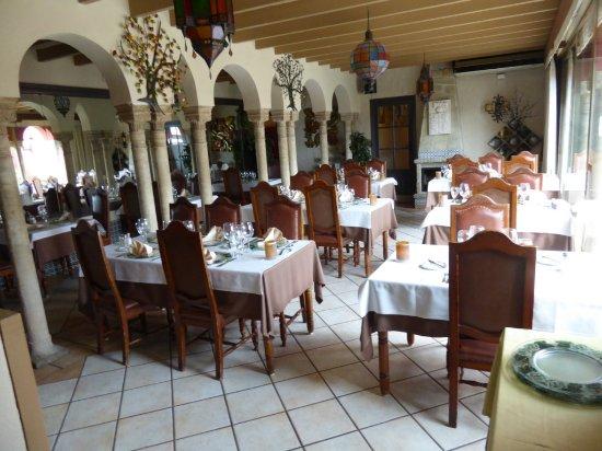 Nuevo Alcazar : Great calm interior