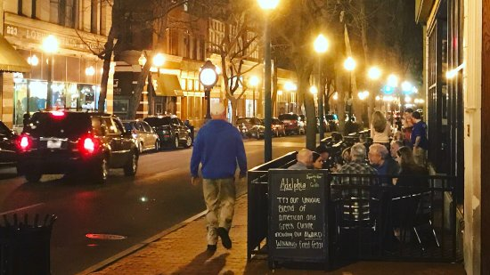 Charleston, Virginia Occidental: Great locally owned place!