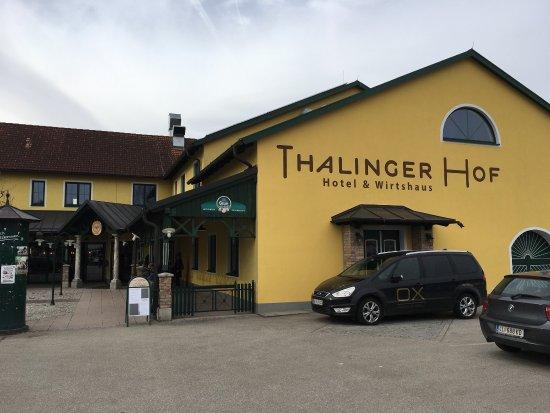 Wirtshaus & Hotel Thalinger Hof