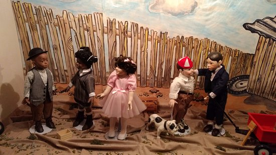 """Northlandz : Larger (18"""") doll tableau - Little Rascals"""