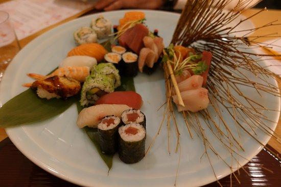 Widen, Zwitserland: Separat bestellte Sushi- und Sashimi-Platte