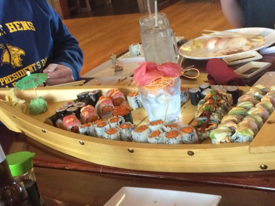 Red Bowl Asian Bistro: Awesome Sushi Boat