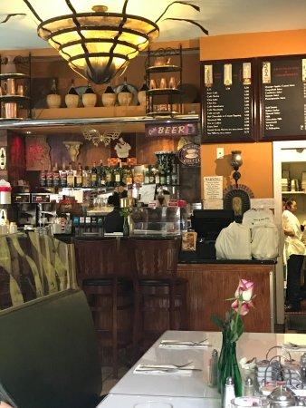 Roxanne Cafe
