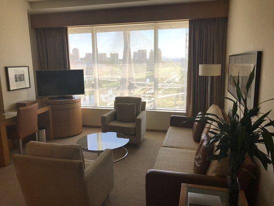 Grand Hyatt Sao Paulo: Living room in our 15th floor suite