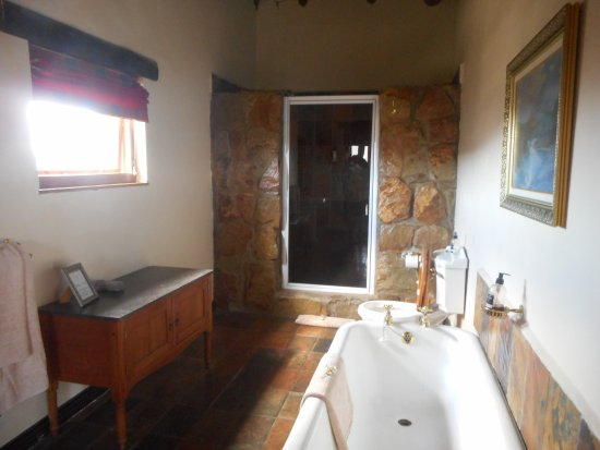McGregor, South Africa: Double shower
