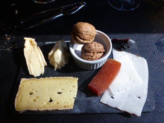 Axat, France: Excellents fromages de Cailla (village proche)