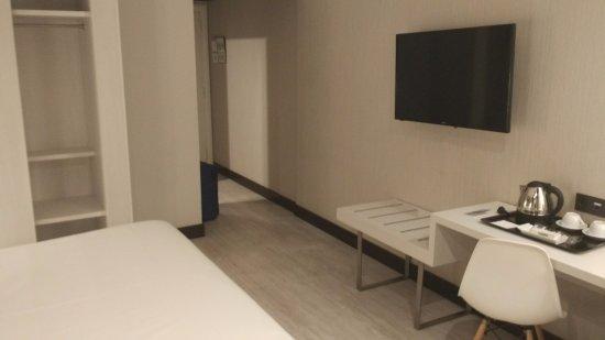 El escaparate es impagable - Picture of Hotel Abando, Bilbao ...