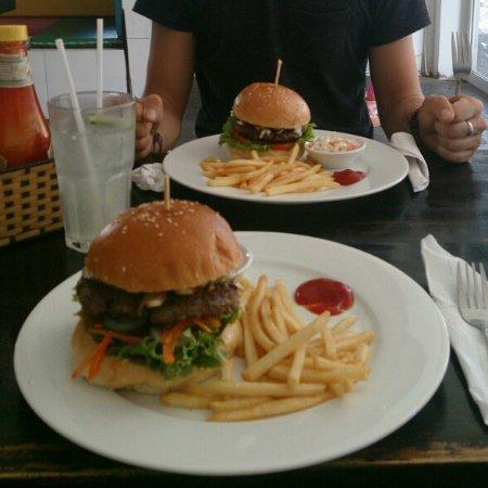 "Phat Hamburgers: DSC_2730_crop_588x588_large.jpg"""
