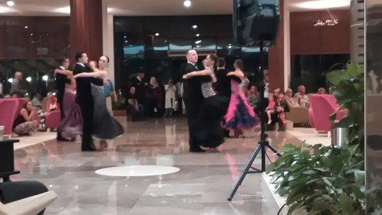 Baia Lara Hotel: P_20161107_212228_large.jpg