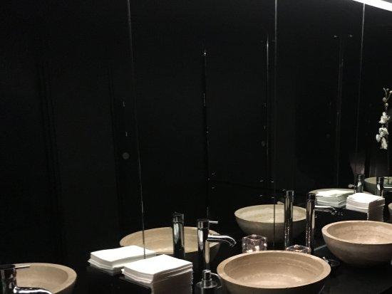 Gaucho: Bathroom Settings