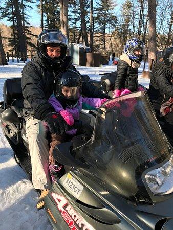 Lake Luzerne, Estado de Nueva York: My friends 5 year old helped drive!