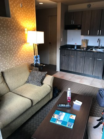 Executive Inn At Whistler Village Photo