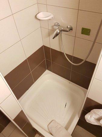 Cserszegtomaj, Hungría: zuhanytálca