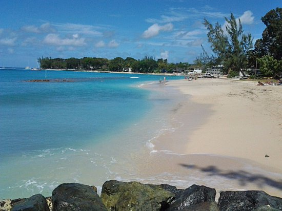Travellers Palm: Beach near Sunset Crest