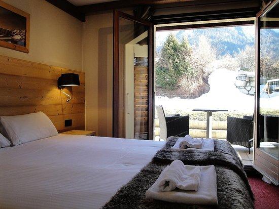 Les Houches, France: Chambre Double côté Mont-Blanc avec accès jardin