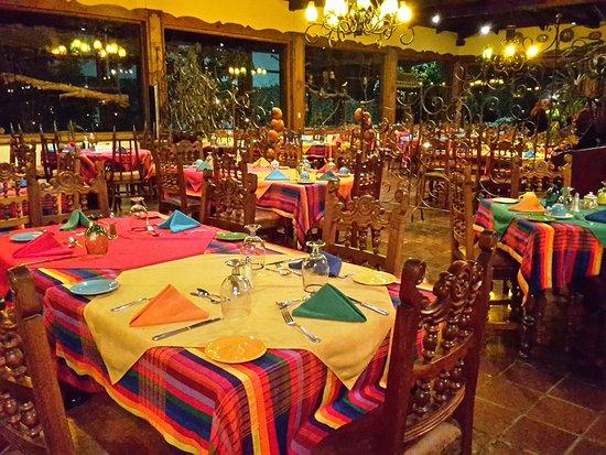 Hotel Atitlan Photo
