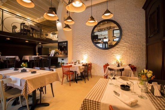 Bistro Trandafilovic: Restaurant Interior
