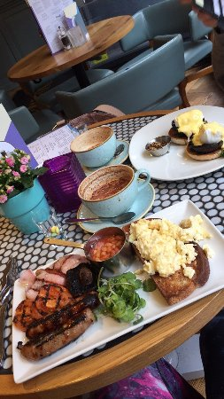 All Bar One York: Brunch with a friend